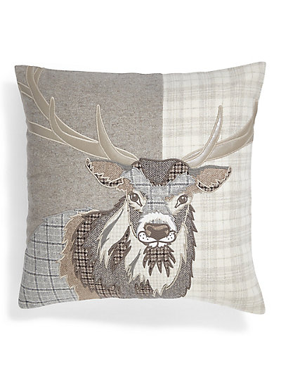 Applique stag cushion ms