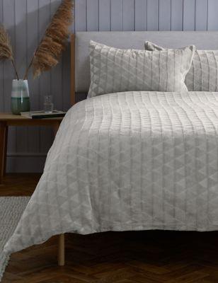 Fleece Geometric Bedding Set
