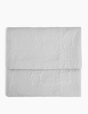 Quilted Pinsonic Bedspread
