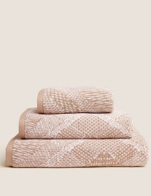 Pure Cotton Repeat Diamond Towel