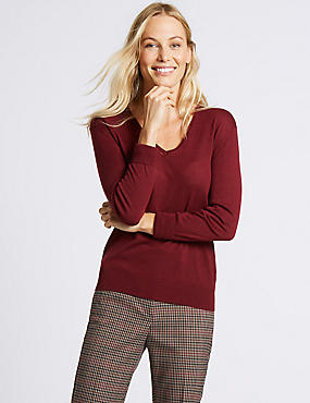 Merino Wool Rich V-Neck Jumper, BERRY, catlanding