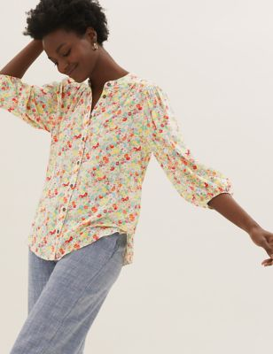 Floral Button Detail Puff Sleeve Top