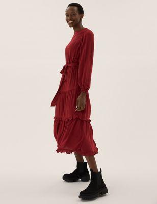 Round Neck Lace Insert Midi Waisted Dress