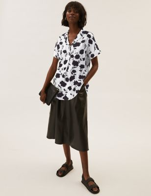 Floral Collared Short Sleeve Popover Blouse