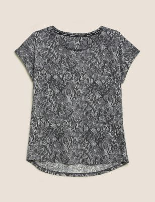 Lightweight Scoop Neck Relaxed T-Shirt
