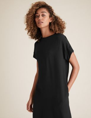 Round Neck Knee Length Shift Dress