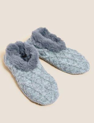Cable Knit Faux Fur Slipper Socks