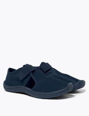 Kids' Holiday Riptape Aqua Shoes (13 Small - 7 Large)