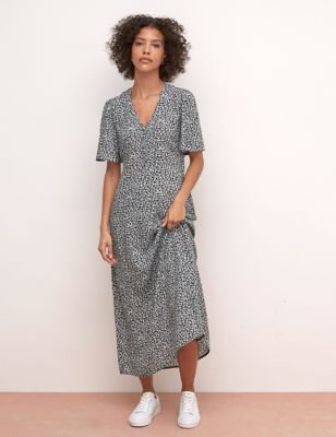 Ditsy Floral V-Neck Maxi Tea Dress