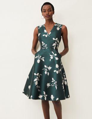 Floral V-Neck Knee Length Skater Dress