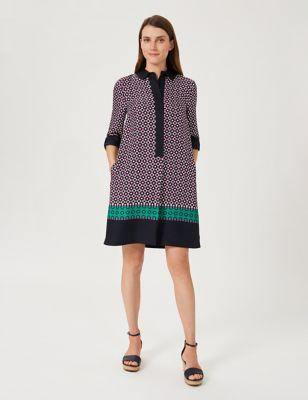 Geometric Collared Knee Length Shift Dress