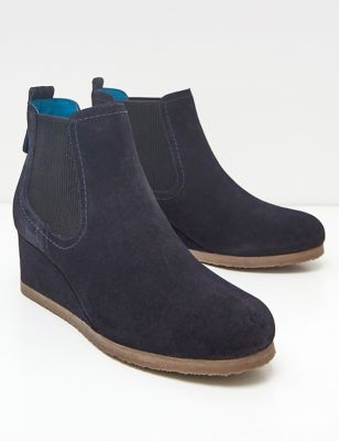 Suede Pointed Wedge Shoe Boots
