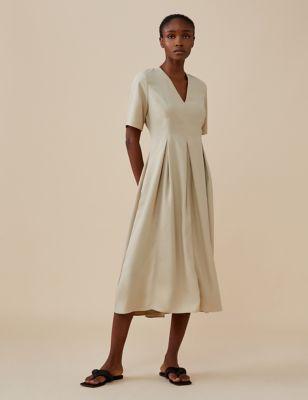 V-Neck Short Sleeve Midi Shift Dress