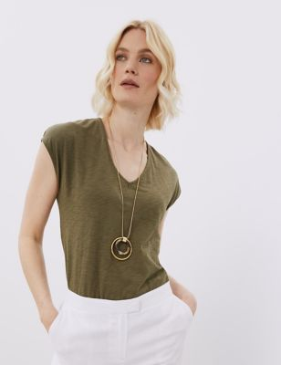 Long Gold Tone Pendant Necklace