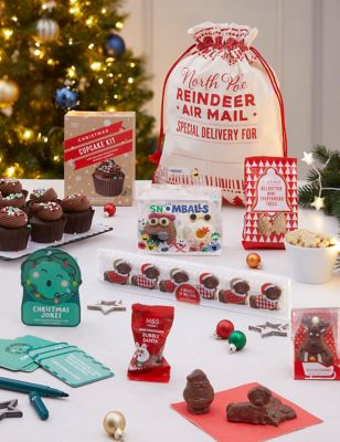 Santa's Sack of Christmas Treats (Delivery from November 2021)
