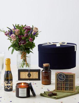 The Pamper Hamper & Flowers Gift
