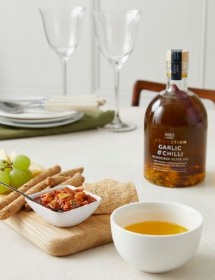 The Hot & Spicy One Chilli Gift Selection (Delivery from November 2021)