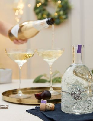 Spiced Sugar Plum Light Up Snow Globe Gin Liqueur & Prosecco Gift Box (Delivery from 2nd November 2021)
