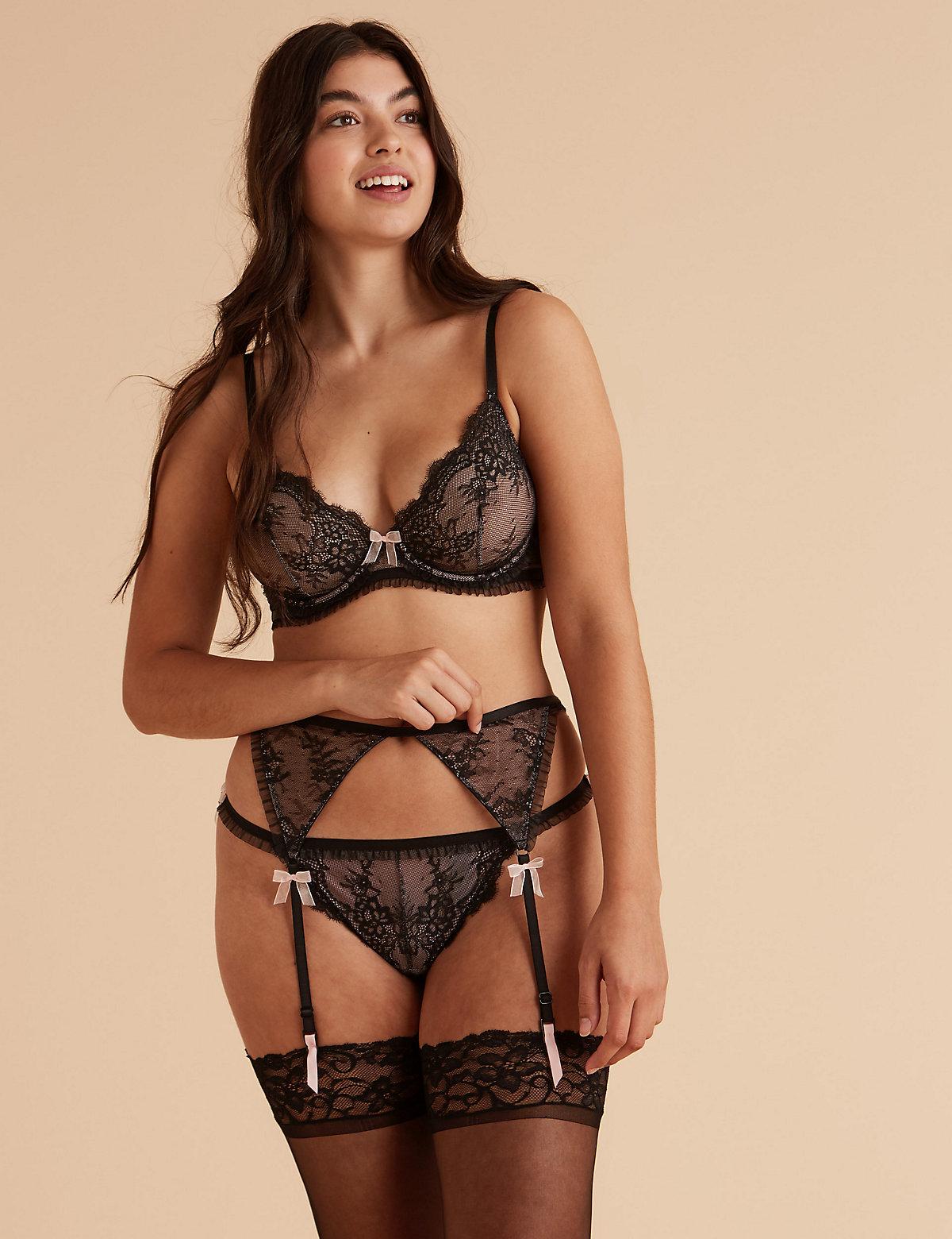 Boutique Eyelash Lace Suspender